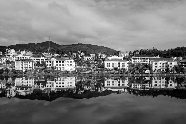 the lake in the Sapa town center